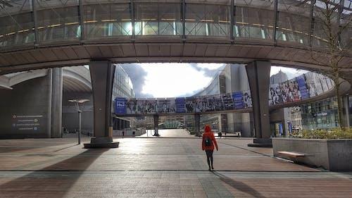 Foto d'estoc gratuïta de aeroport, arquitectura, articles de vidre, carretera