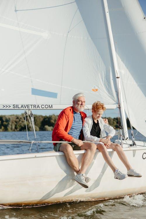 Gratis stockfoto met bejaarde man, boot, eigen tijd