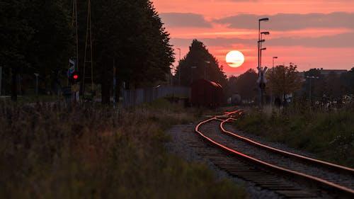 열차 선로, 일몰의 무료 스톡 사진