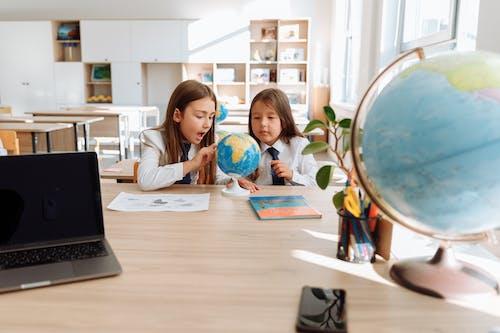 Immagine gratuita di apprendimento, aula, bambini