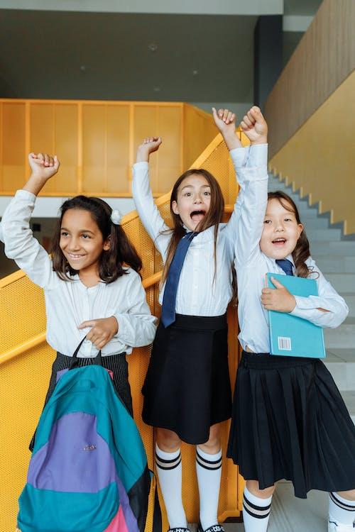 Imagine de stoc gratuită din brațele ridicate, bucurie, colegi de clasa