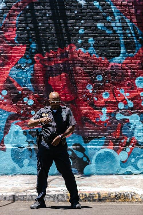 Foto d'estoc gratuïta de adult, art, ball de carrer