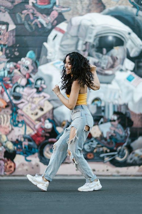 Foto d'estoc gratuïta de actuació, adult, ball de carrer
