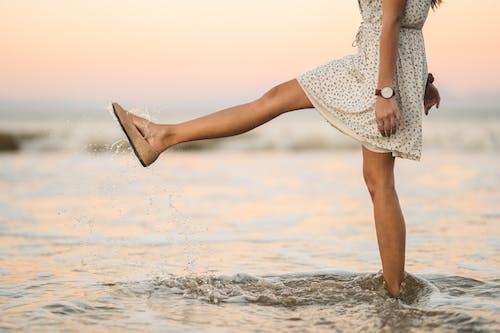 一雙鞋, 休閒, 假期 的 免費圖庫相片