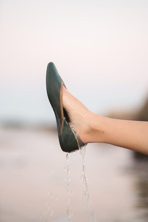 H2O, 一雙鞋, 人 的 免費圖庫相片