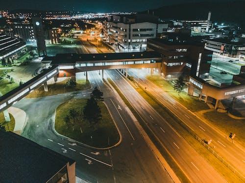 Foto stok gratis bangunan, berbayang, cahaya