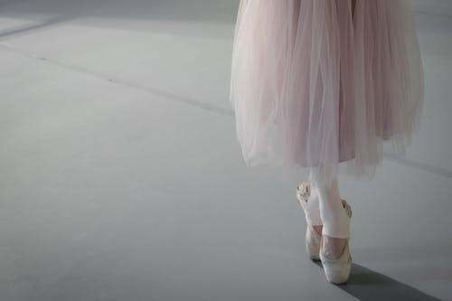 คลังภาพถ่ายฟรี ของ ท่าทาง, นักบัลเลต์หญิง, นักเต้นบัลเล่ต์