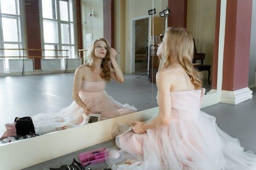 คลังภาพถ่ายฟรี ของ กระจกเงา, การสะท้อน, นักบัลเลต์หญิง