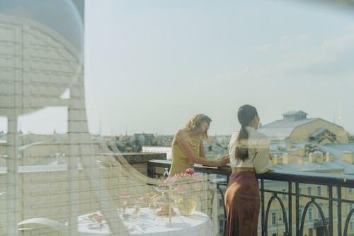 Kostenloses Stock Foto zu abendessen, balkon, blick vom balkon