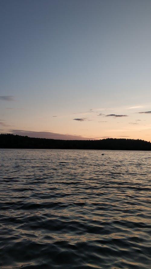 Darmowe zdjęcie z galerii z jezioro, krajobraz, lato