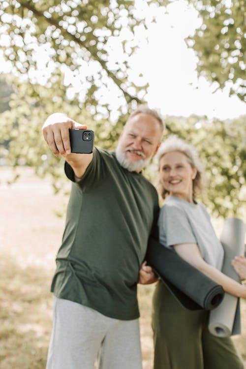 Fotobanka sbezplatnými fotkami na tému byť spolu, dvojica, dýchanie
