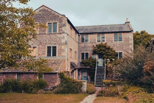 Foto profissional grátis de abandonado, ao ar livre, arquitetura