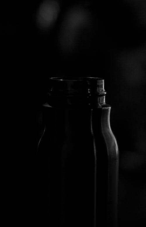 Photos gratuites de bouteille, noir et blanc