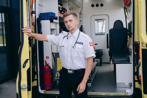 Foto stok gratis ambulan, ambulans, ganteng