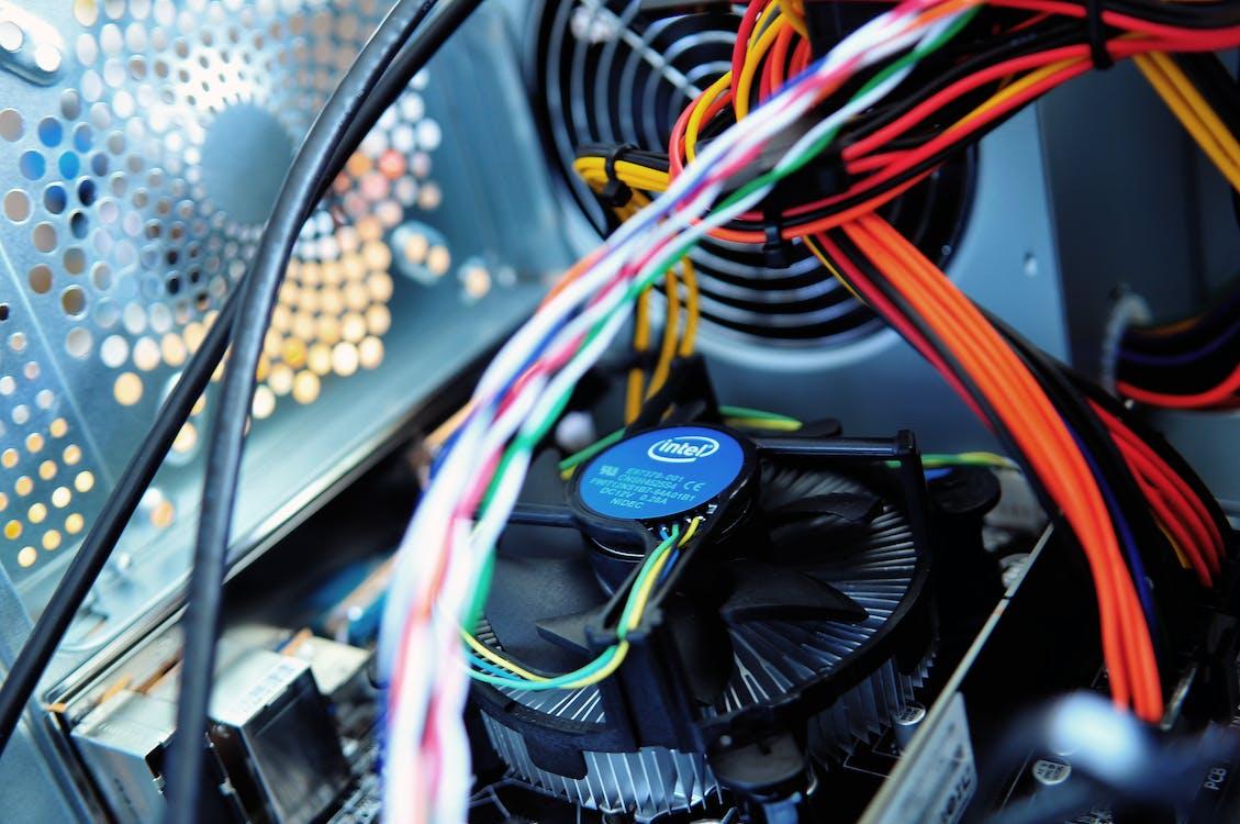 Fotobanka sbezplatnými fotkami na tému CPU, drôty, fanúšik