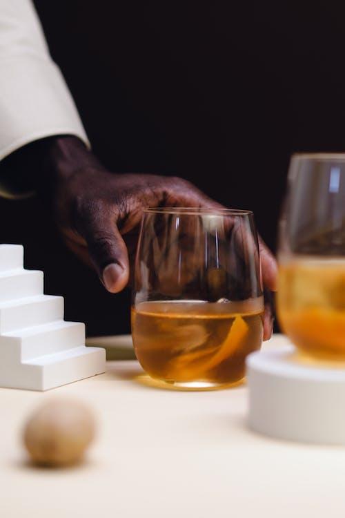 Kostenloses Stock Foto zu alkoholisches getränk, flüssig, flüssigkeit