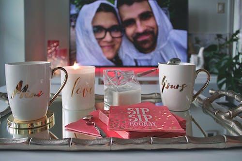 Fotos de stock gratuitas de bandeja, esposa, gente, hombre