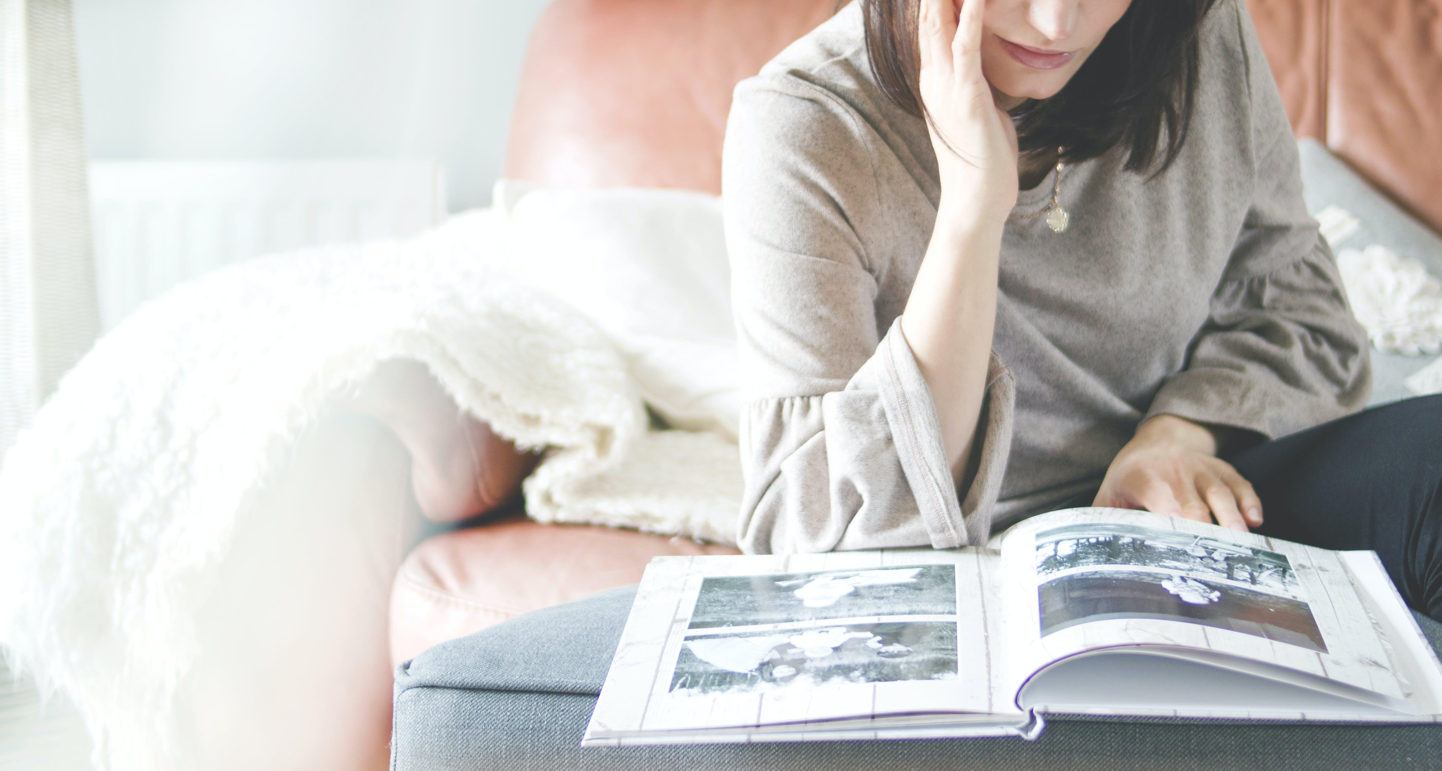Gratis lagerfoto af afslapning, afslappet, album, billeder
