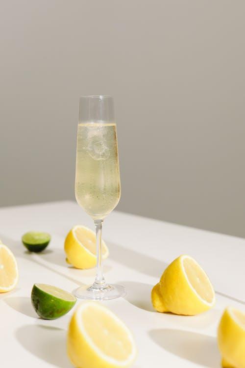 Kostenloses Stock Foto zu alkoholisches getränk, champagner, essen