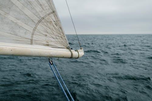 Ilmainen kuvapankkikuva tunnisteilla aalto, huvijahti, jahti