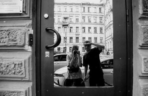 거리, 기다림, 남자의 무료 스톡 사진