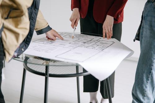 Foto stok gratis blueprint, cetak biru, kaum wanita