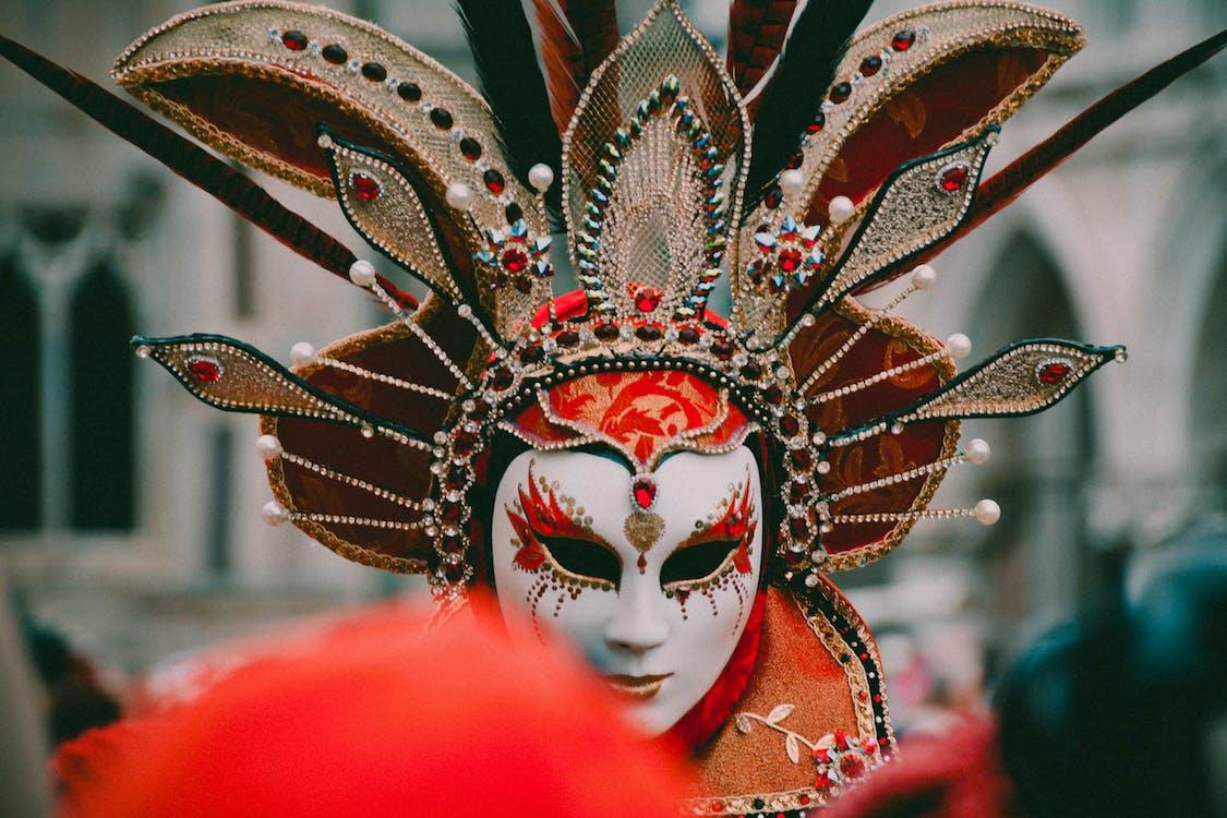 Kostenloses Stock Foto zu kopfschmuck, kostüm, maske