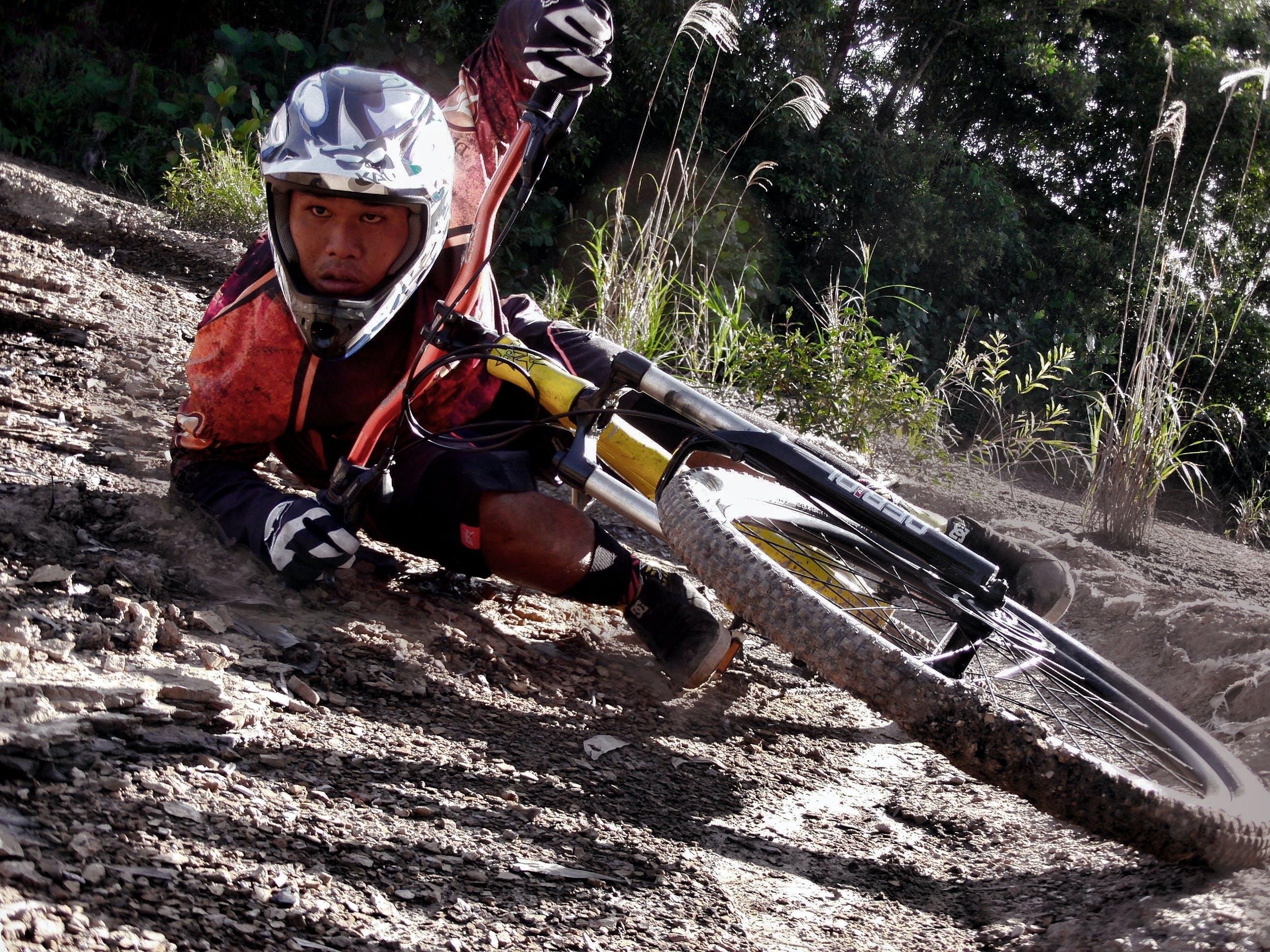 Základová fotografie zdarma na téma akce, cyklista, horská kola, soutěž