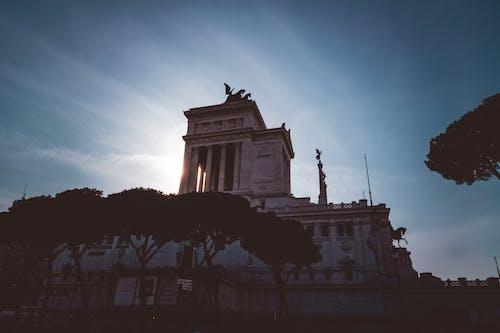 Foto profissional grátis de arquitetura, colunas, construção, edifício