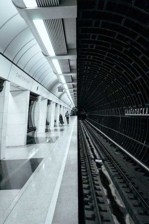 คลังภาพถ่ายฟรี ของ ขาวดำ, ชานชาลา, ทางรถไฟ