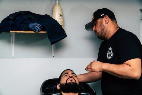 Foto stok gratis barber, manusia, penata rambut, suami