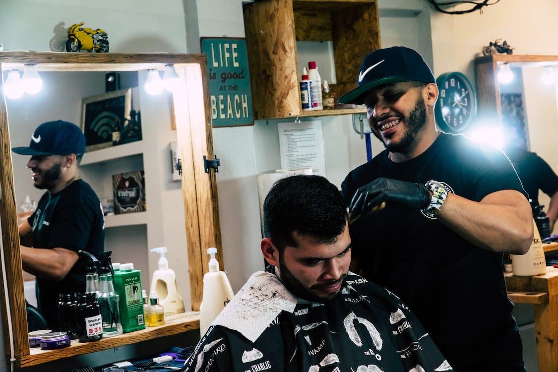 おとこ, 散髪, 理髪師の無料の写真素材