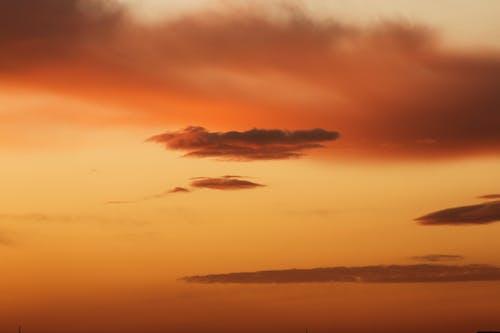 Бесплатное стоковое фото с атмосфера, багровое небо, живописное небо