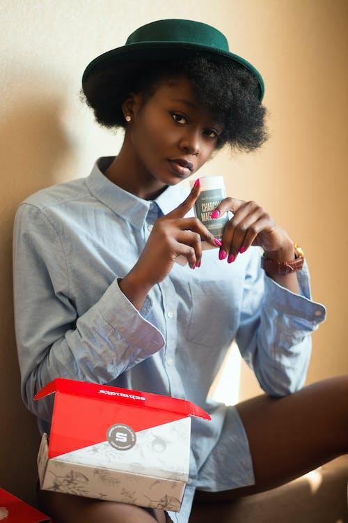 Ilmainen kuvapankkikuva tunnisteilla afroamerikkalaiset naiset, asento, henkilö, katsominen