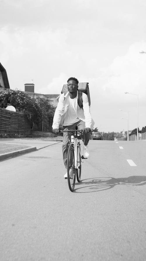Gratis lagerfoto af cykel, cykling, hvide lange ærmer