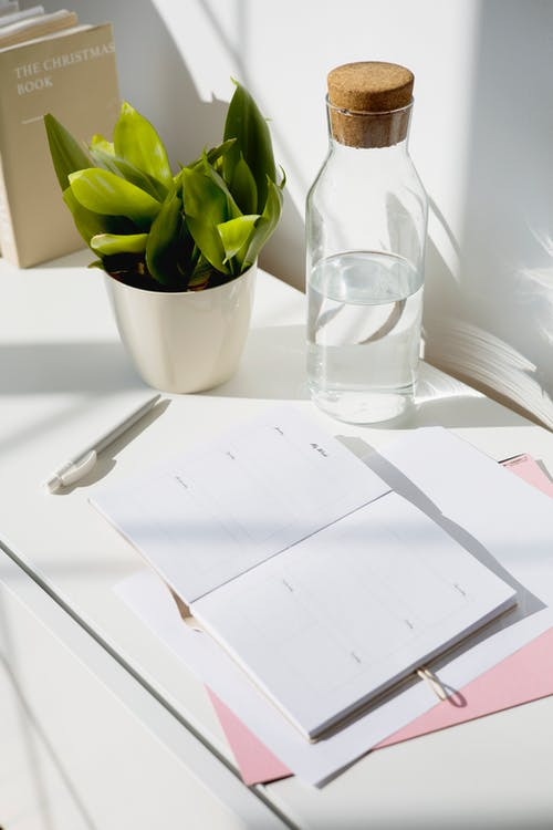 Foto profissional grátis de #interior, apartamento, artigos de vidro
