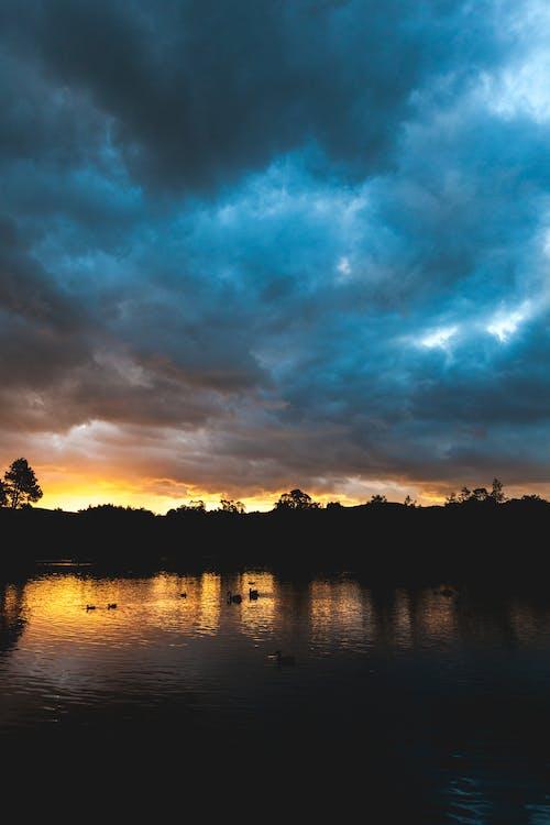 Ilmainen kuvapankkikuva tunnisteilla auringonlasku, luonto, muotokuva, pilvet