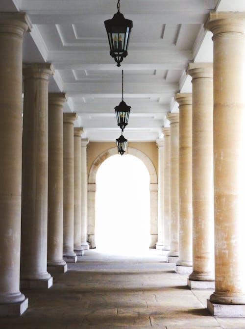Foto d'estoc gratuïta de arc, arquitectura, columnes, edifici