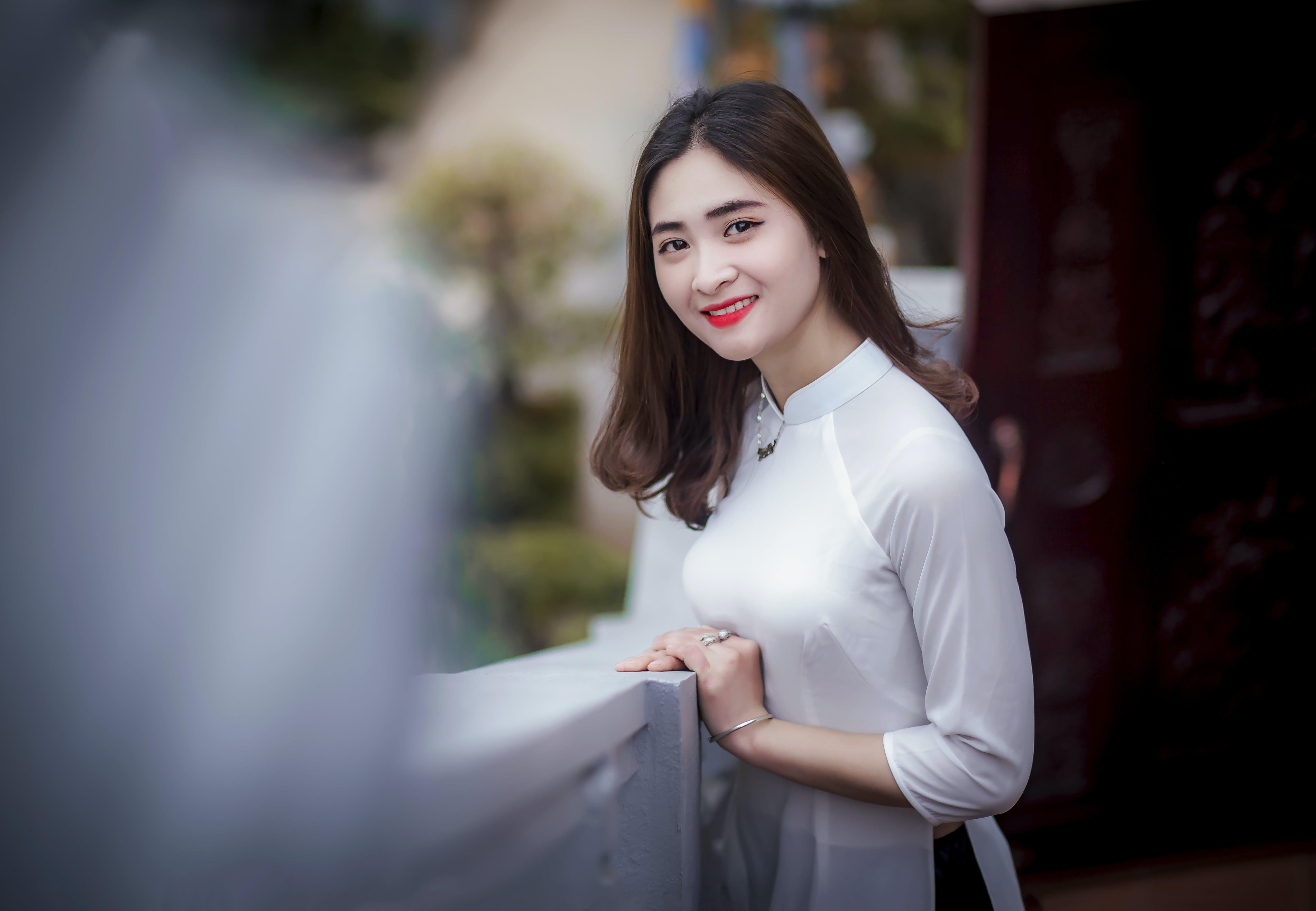 Δωρεάν στοκ φωτογραφιών με ασιατικό κορίτσι, βλέπω, γλυκούλι, γυναίκα