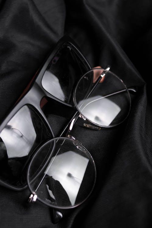 Foto profissional grátis de artigos de vidro, brilhando, couro