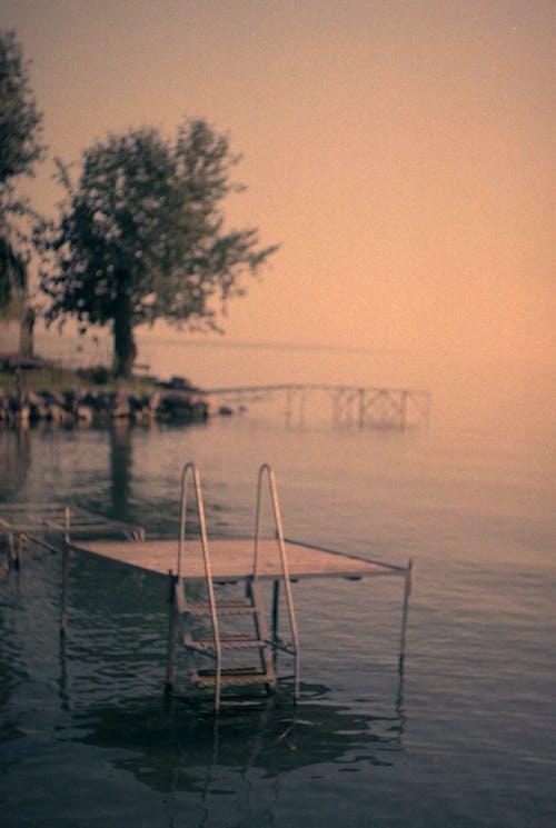 Muelle En Un Lago