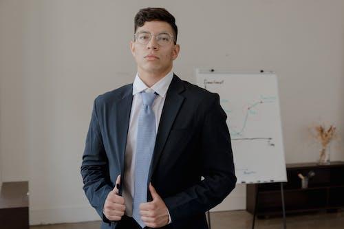 Foto d'estoc gratuïta de ben vestit, corbata, home
