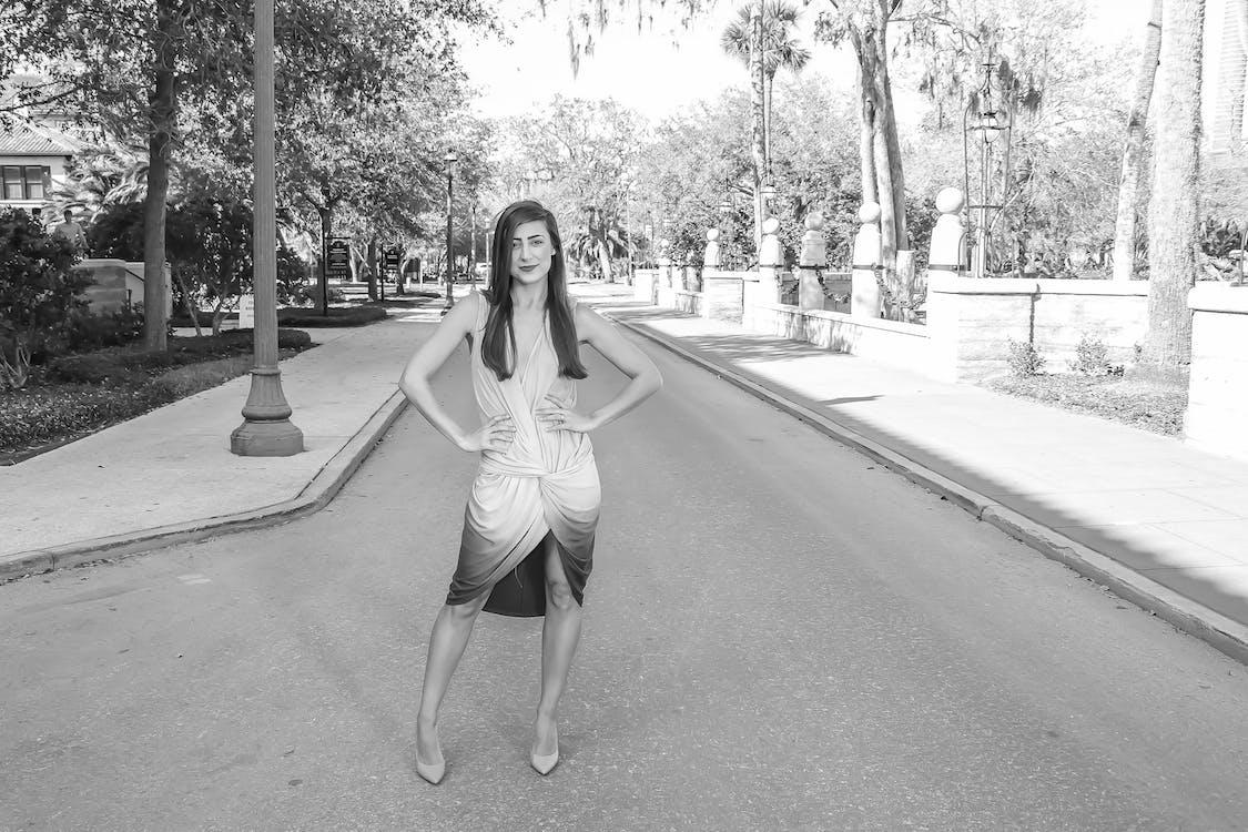 aktorka, asfalt, bruk