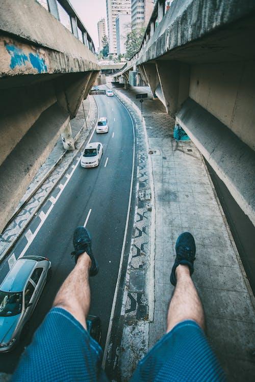 Gratis lagerfoto af biler, gade, køretøjer, mand