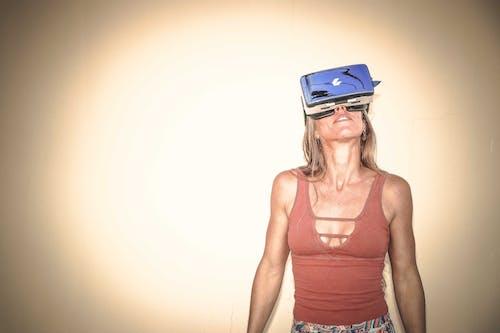 Gratis lagerfoto af kvinde, person, Pige, virtual reality-briller