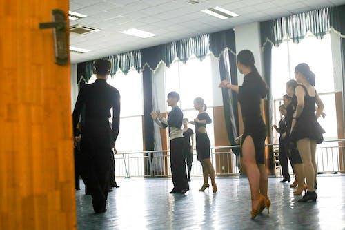 Foto profissional grátis de bailarino