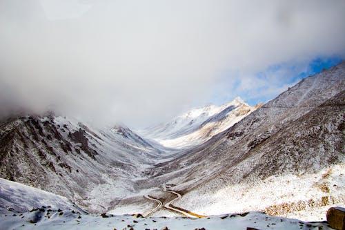 Fotos de stock gratuitas de #outdoorchallenge, brumoso, cielo, con neblina