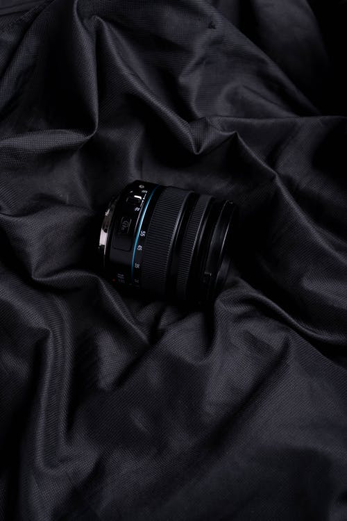Kostenloses Stock Foto zu drinnen, dunkel, elegant