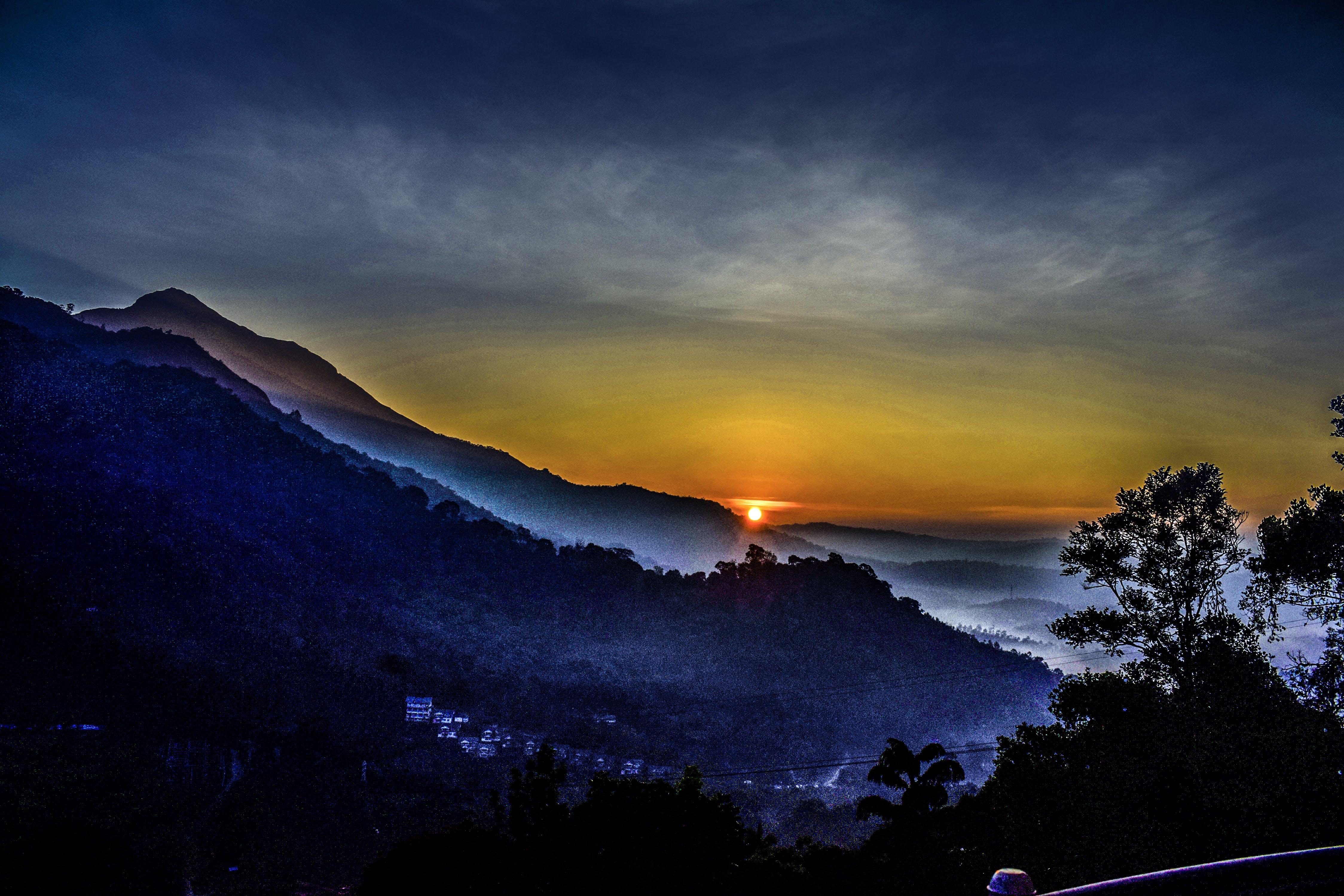 Δωρεάν στοκ φωτογραφιών με fogg, munnar, ακτίνες ηλίου, Ανατολή ηλίου