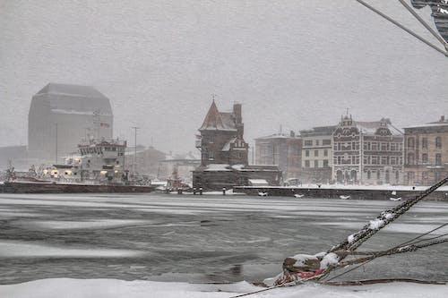 Darmowe zdjęcie z galerii z miasto, port, śnieg, woda